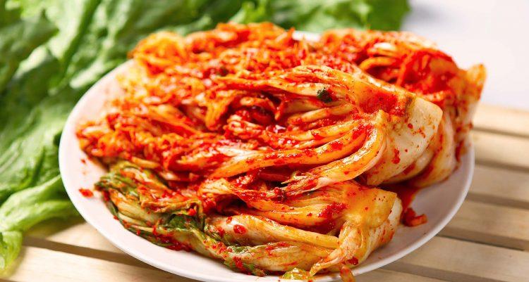 kimchi makanan asli korea dengan sayuran khusus